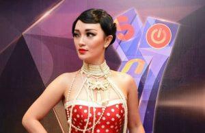 zaskia_gotik baim wong candaan Panggung Sulit Dikontrol